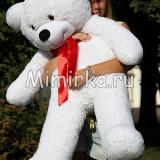 Мишка Нестор 120 см белый на улице с девушкой